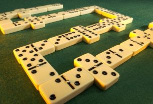 dominoes directions